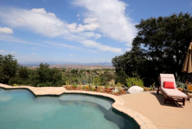 Beautiful Ramona Home with Golf Course Views.