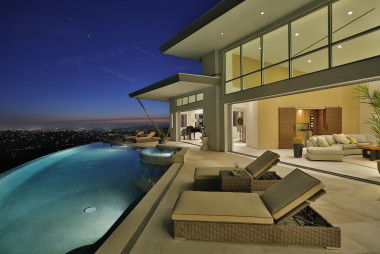 Contemporary Home Ocean Views