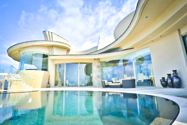 Curvilinear Modern Home in La Jolla, CA Features Award Winning ...
